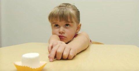 «Marshmallow-eksperimentet» er en omstridt studie med barn publisert på 70-tallet. Fremdeles krangler forskerne om resultatene.