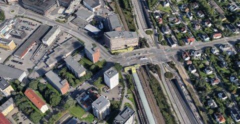 ANLEGGSARBEID: Grefsenveien stenges for inn- og utkjøring i Storokrysset. Det betyr at bilister fra Kjelsås, Grefsen og Disen må velge de to andre hovedveiene ut på Ring 3; Maridalsveien/Frysjaveien eller Kjelsåsveien. Buss overtar for trikk på strekningen Storo-Kjelsås, opplyser Sporveien.