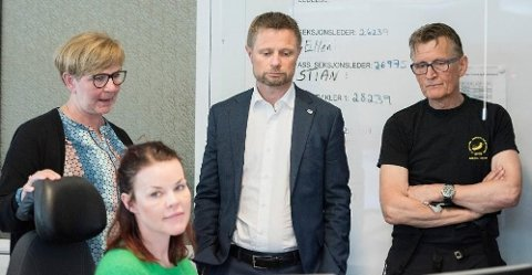 Statsråden i møter med akuttmedisinsk personell i Tromsø sist lørdag. Her møtte han fagmiljøet som mener de står i en alvorlig situasjon. Etter møtene sa Høie at situasjonen er langt mer alvorlig enn tidligere forespeilet.