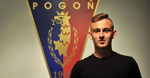 Kacper Kozlowski er vekket interessen til storklubber i hele Europa. Foto:akademia.pogonszczecin