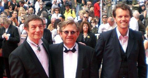 PÅ RØD LØPER: Bent Hamer, Jan Erik Kaada og Bård Owe inntok Cannes-festivalen med «O´Horten». (Klikk på forstørrelsesglasset for å se hele bilde)