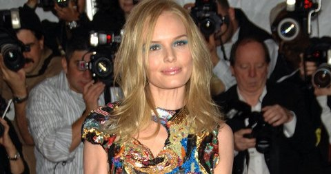 VINTAGE: Kate Bosworth elsker sine vintagekjoler. Her i en Chanel Haute Couture. (Klikk på forstørrelsesglasset for å se hele bilde).