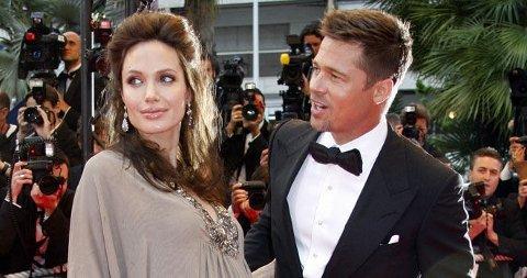 SEXY: Angelina Jolie forteller at hun og Brad er kreative når magen vokser og nyter sexlivet maks.