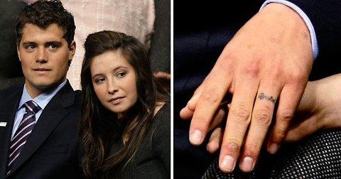 INGEN TVIL: Levi Johnston har tatovert inn navnet til sin gravide kjærste Bristol Palin på sin venstre ringfinger. Her fra nattens landsmøte i USA.