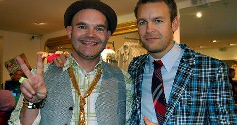 SPILLEGALE? Simen Staalnacke (t.v.) og Peder Børresen er kjempefornøyde med deres brett i LittleBigPlanet.