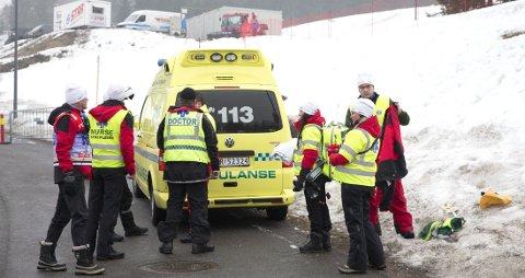 FRAKTET BORT: Astrid Uhrenholdt Jacobsen ble kjørt til sykehus etter ulykken i Holmenkollen.