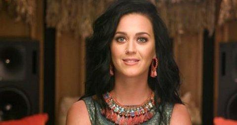 VIL INSPIRERE: Katy Perry håper musikkvideoen kan inspirere folk til å stå sammen. Foto: Skjermdump / Today