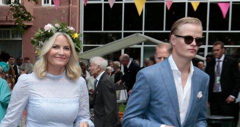 Kronprinsesse Mette-Marit og Marius Borg Høiby Trondheim i forbindelse kongeparet 25 år som kongepar.