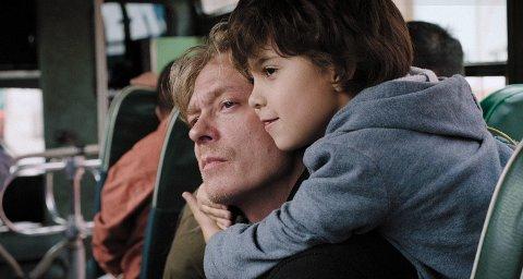 NÅR FØLELSENE UTEBLIR: Hvordan kan man la være å elske et barn? Spør filmen «Hjertestart».