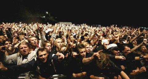 ROCKEFEST I GRORUDDALEN: I helgen skal store og små samle seg på Lillomarka Arena for nok en herlig og gratis Granittrock. Her topp stemning fra Turbonegers konsert i 2007. ALLE FOTO: ARKIV