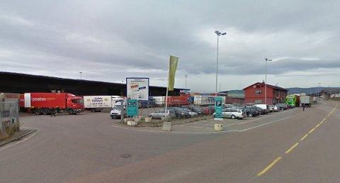 SENDT HJEM: Ansatte ved Brings terminal på Sjursøya sendte varer rett hjem.