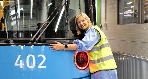 Dette er de nye trikkene Venstre-leder Guri Melby sikret i 2015. Nå vil partiet fortsette å satse på utviklingen av kollektivtransport.
