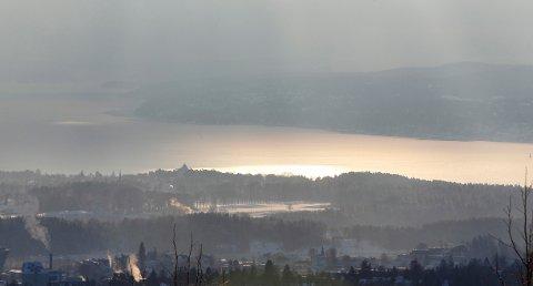 WHO har kommet med nye retningslinjer for hva som regnes som trygg luftkvalitet. Foto: Lise Åserud / NTB