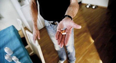 LURER VIRUSET: – De antiretrovirale medisinene var en revolusjon da de kom i 1996. Medisinene har fjernet viruset i Jan Kolberg Larsens blod. Men han er likevel hiv- positiv. (FOTO: Tri Nguyen)