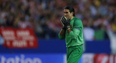 I MÅL: Jose Manuel Pinto vokter målet for Barcelona i cupfinalen mot Real Madrid.