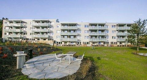 ØKER: Prisene på brukte Obos-leilighete steg i november, etter et overraskende stort prisfall i oktober. Her fra Ammerudsletta borettslag i Oslo.