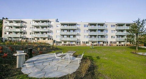 FALT I MARS: Prisene på brukte Obos-leiligheter var en god del ned i mars, her bilde fra Ammerudsletta borettslag i Oslo.