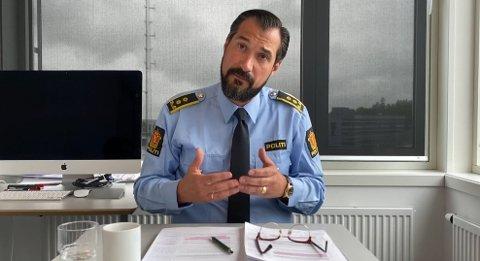 Politiadvokat Haris Hrenovica undrer seg over at Tom Hagen ikke har etterlyst informasjon som bidrar til å finne gjerningsmenn.