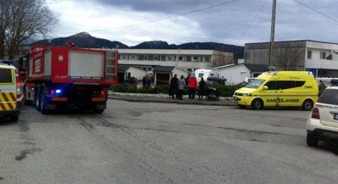 En person omkom i rekkehusbrannen lørdag.