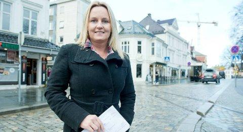 Benedikte Hatlegjerde (41) ble frastålet en moped da hun var 17 år gammel. 24 år senere fikk hun regning på årsavgiften i posten.