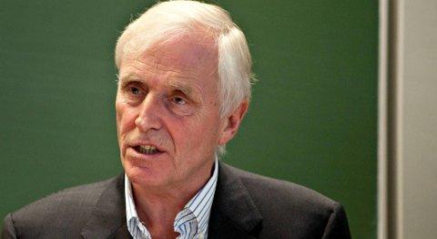 Økonomiprofessor Thore Johnsen ved Norges Handelshøyskole (NHH) ble overrasket da han hørte om oppkjøpet av Frank Mohn-konsernet.