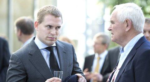 Frederik Wilhelm Mohn og faren Trond Mohn røk uklare etter at salget ble klart.