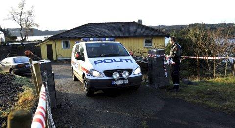 14. november 2011 ble en åtte år gammel funnet død i sitt hjem i Sund kommune. Ni måneder senere ble saken henlagt. Nå ber bistandsadvokaten politiet om å se på saken på nytt.