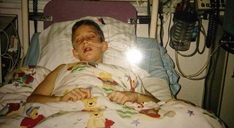 FIKK KREFT: Richard Melvoll fra Sandefjord var bare ni år gammel da han fikk kreft og ble lagt inn på sykehus. Det ble starten på en lang og tøff kamp på liv og død