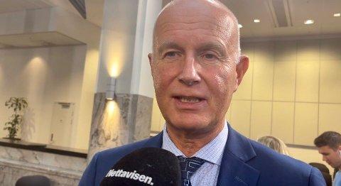 GLAD GULDVOG: Helsedirektør Bjørn Guldvog sier han føler seg trygg på at avgjørelsen om frislipp er god.
