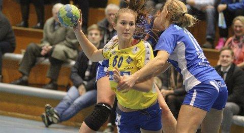 FRISKT PUST: 17-åringen Guro Breistøl fikk sjansen de siste ti minuttene på venstrebacken, og noterte seg for en fin scoring. FOTO: ARILD JACOBSEN