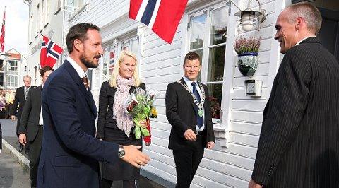 EGERSUND: Kronprinsparet på besøk i Egersund.