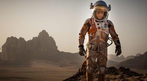 Matt Damon spiller i filmen «The Martian» en austronaut som blir sendt på romferd til Mars.