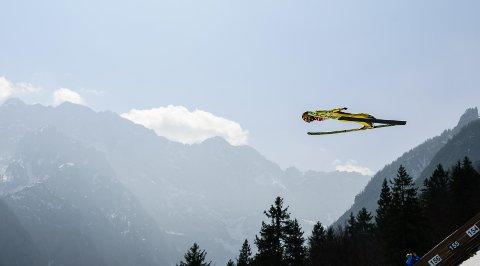 LANGE SVEV: Noriaki Kasai fra Japan er blant dem som skal hoppe skiflyging i Planica kommende helg.