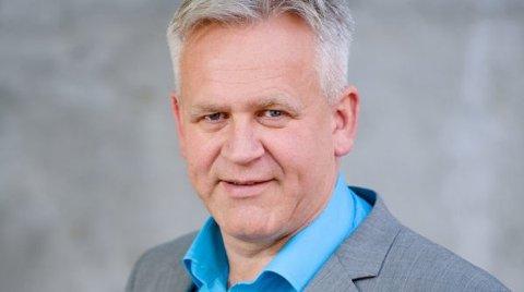 Pastor Wiggo Skagestad i Filadelfia Kristiansand foreslo at medlemmer som ikke har kontanter, låner 250.000 kroner i Spareskillingsbanken og gir pengene til menigheten