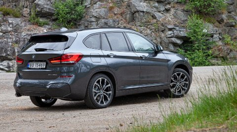 BMW X1 xDrive25e er første gang BMWs minste SUV er tilgjengelig som ladbar hybrid, og det har blitt forbausende vellykket.