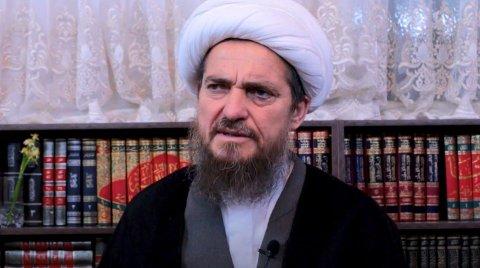 Den homofobe iranske ayatollahen Abbas Tabrizian er stor motstander av «vestlig medisin» og sverger heller til «islamsk medisin».