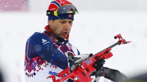 GIR SEG IKKE: 40-åringen Ole Einar Bjørndalen sikter seg inn på flere medaljer. NTB scanpix / Heiko Junge