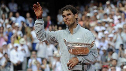 – Vår generasjon er på vei ut. Vi har alle vært med lenge. En generasjon går mot slutten, mens en annen vil erstatte oss. Det skjer ikke over natten, men skiftet vil komme, sier Nadal.