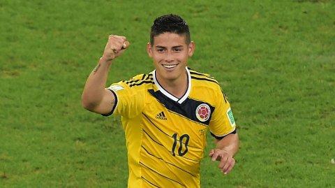 SENTRAL: James Rodriguez feirer 2-0-scoringen mot Uruguay i åttedelsfinalen.