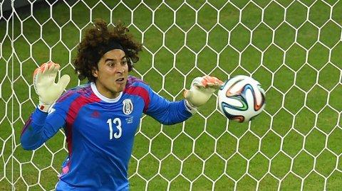 POPULÆR: Guillermo Ochoa er populær etter god VM-innsats.