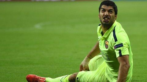 FRISKMELDT: Luis Suarez fikk trøbbel med låret mot Bayern München, men er friskmeldt til lørdagens spanske cupfinale. FOTO: NTB scanpix