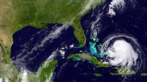 På dette bildet sees orkanen Joaquin i det karibiske området. Hvor eksakt den kommer til å treffe fastland, er ennå usikkert.