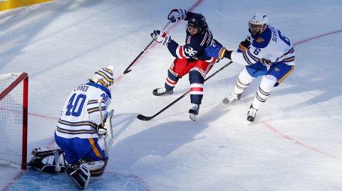 AVGJØRENDE: Mats Zuccarello noterte seg for en ny assist da New York Rangers vant 3-2 mot Buffalo Sabres.