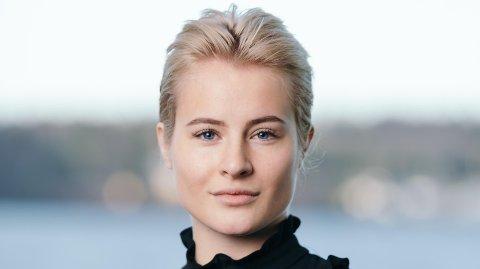 HAR TIL KLOR I SVØMMEBASSENGET: Katharina G. Andresen er Norges rikeste kvinne. Mandag begynner hun i ny jobb med 180 kroner timen.