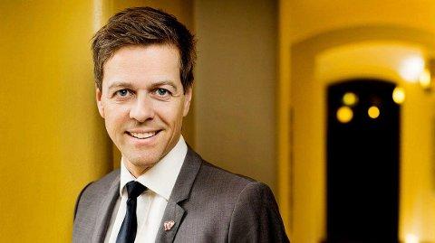 PARTILEDER: Knut Arild Hareide må lede partiet inn i en forutsigbar fremtid. Å gå til venstre vil være en kardinalfeil.