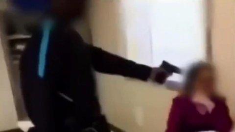 Hendelsen ble filmet med mobilkamera, og ble senere delt på sosiale medier. Nå drøftes tiltak som mobilforbud for å få bukt med denne typen voldsutøvelse.