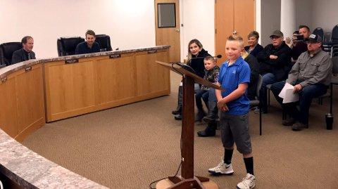 ENDRET LOVEN: Ni år gamle Dane Best fikk fjernet forbudet mot snøballkasting i byen.