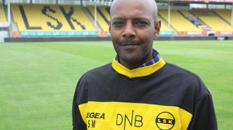 OFFENSIV: LSKs sportsdirektør Simon Mesfin får mye ros for klubbens spillerlogistikk. Alt bunner ut i en egen mal for hvordan man skal gjennomføre signeringer.
