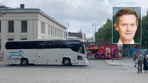 BETALER IKKE MOMS: - Ingen av de østeuropeiske busselskapene betaler moms, sier, adm.dir. John H Stordrange i NHO Transport (innfelt).