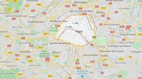 KNIVANGREP: Minst én person er drept i et knivangrep i Paris.